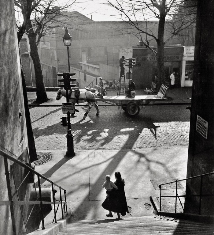 Willy Ronis. Avenue Simon Bolivar, 1950.
