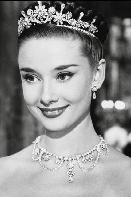 Audrey Hepburn Day Quotes  (106)